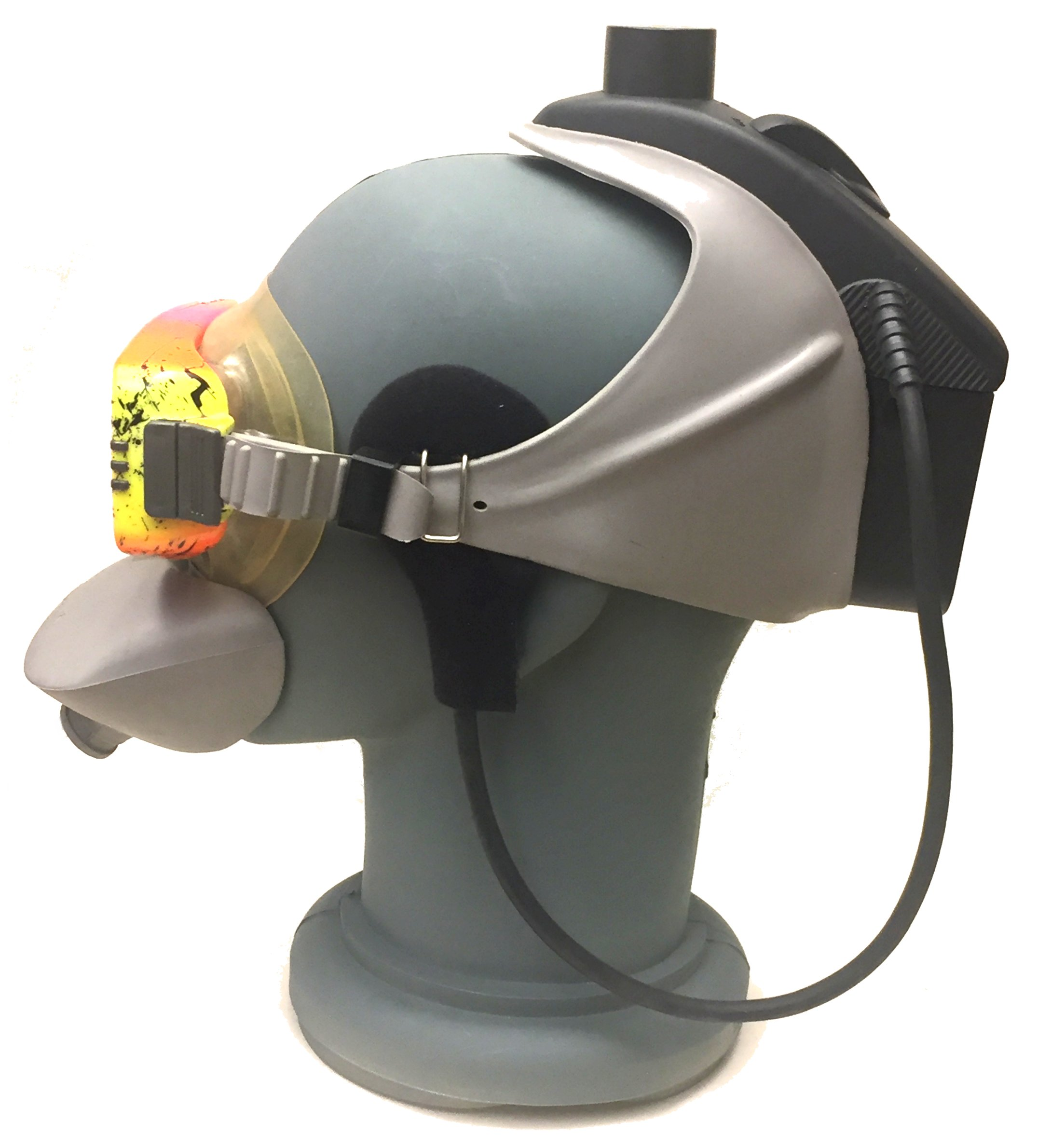 underwater communicator with half mask for regulator