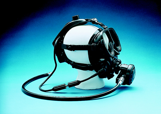 underwater communicator head mounted
